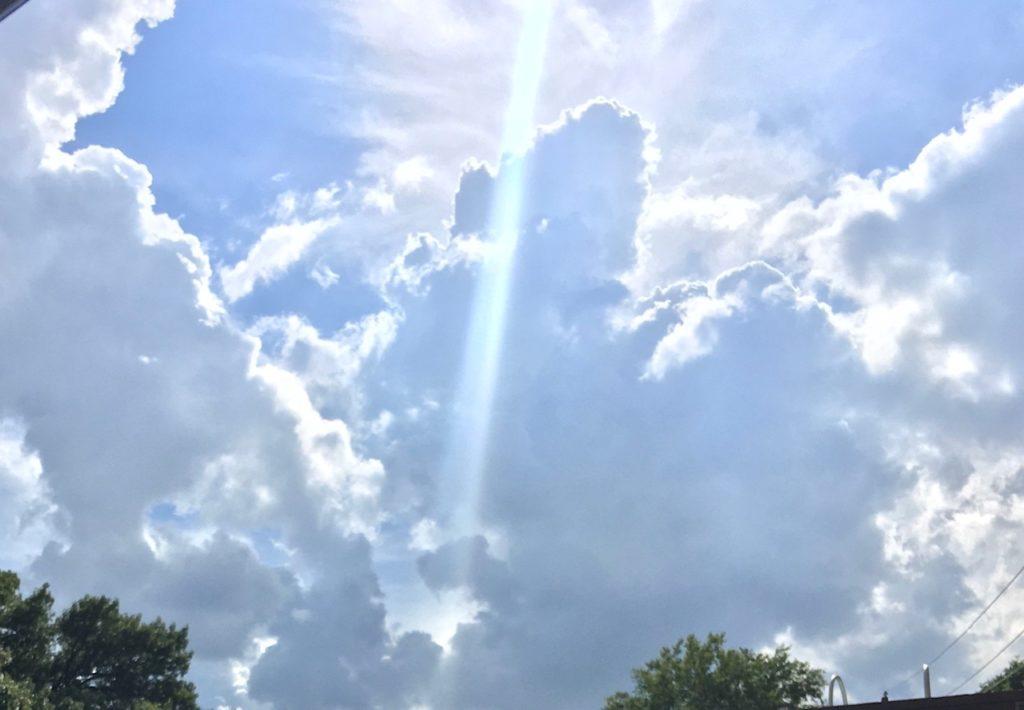 Beaurtiful sky by Roberta
